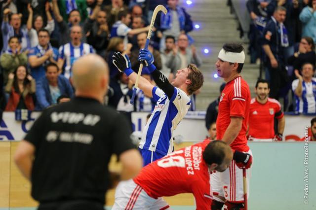 """Porto vence clássico e está na """"final-four"""""""