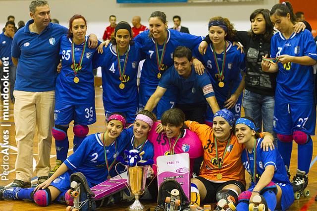 Lobinhas vencem Supertaça Feminina 2011