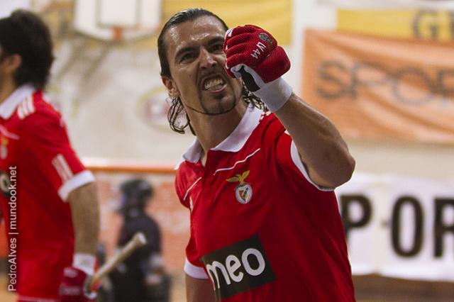 Benfica pressiona FC Porto ao vencer Cascais